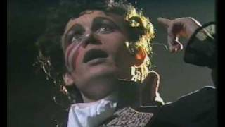Watch Adam  The Ants Picasso Visita El Planeta De Los Simios video