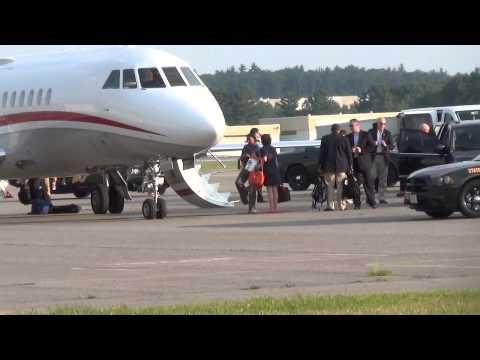 Hillary Clinton Gets Red Carpet Treatment Boarding Private Jet In NH