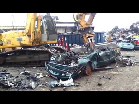 Pulling Apart & Recycling Vehicles at Bessler's