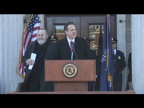 Governor Cuomo Swears in Laura Curran at Nassau County Executive Inauguration