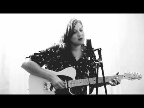 Kati O'Toole : Happy Xmas (War Is Over) John Lennon cover