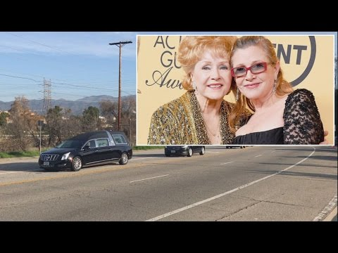 Thumbnail: Meryl Streep Sings At Funeral For Carrie Fisher And Debbie Reynolds