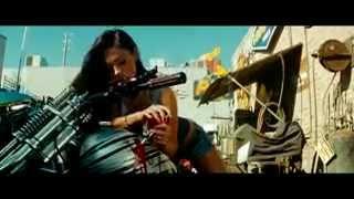 Фрагмент из фильма Трансформеры 2 (Меган Фокс).