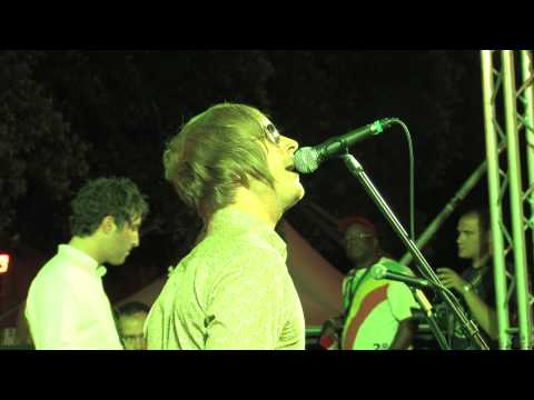 She's electric- Ohasis (Live Music Fest 2012)