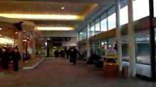 In Queenstown Airport (クイーンズタウン空港) thumbnail