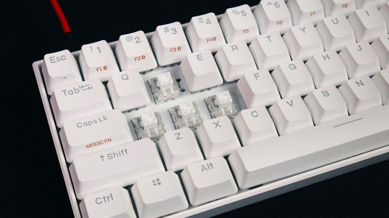 Anne Pro 2 (Kailh BOX White Switches) | MY FIRST 60% MECHANICAL KEYBOARD!