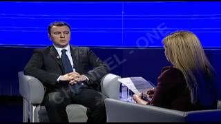 """Gentian Elezi, i ftuar në """"Intervista e mbrëmjes"""", nga Klara Dervishi"""