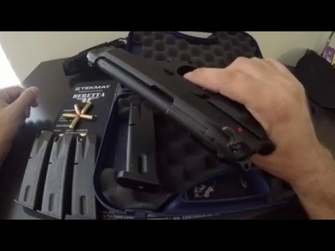 Beretta 92FS Close-Up and Review