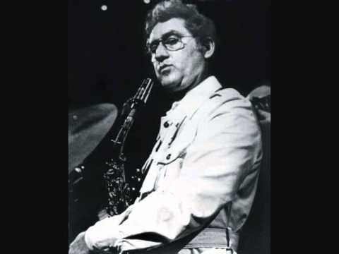 Lee Konitz - Everything Happens to Me mp3 baixar