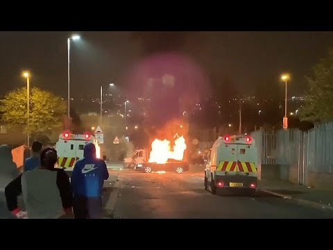 مصرع امرأة خلال أعمال شغب بأيرلندا الشمالية  - 07:53-2019 / 4 / 19