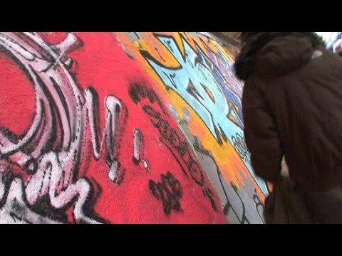 Propagují graffiti, pak je musí čistit! Může za to Gympl