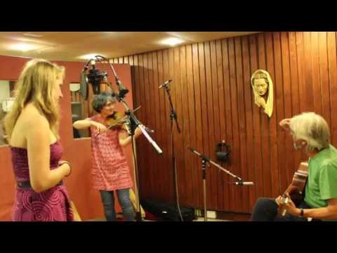 Adieu Sweet Lovely Nancy - Kirsty Bromley with Judith & Nick Hooper
