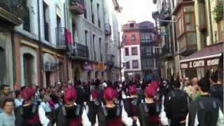Llanes - San Roque 2012. Desfile de bandas de gaitas (Parade of pipe bands)
