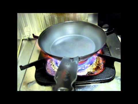 鉄フライパンの空焼き How to complete iron pan