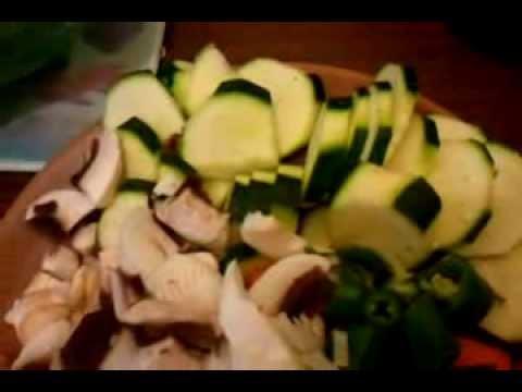 vlog-régime:-recette-de-la-ratatouille-hyper-light-(100%-légumes)-partie-01