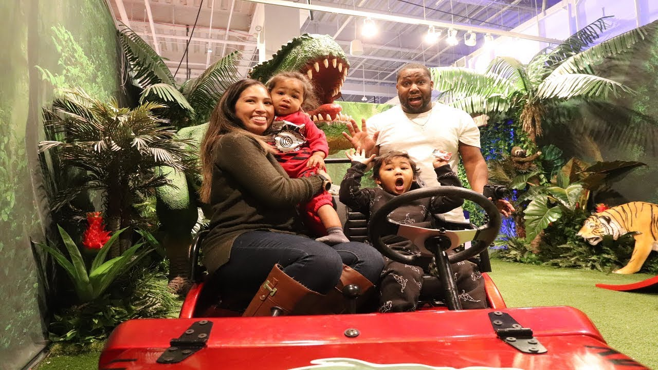 Toys R Us Adventure Atlanta Family Edition Part Three