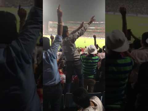 Fan Dancing. DD vs RPS #VivoIPL2017 Zaheer Khan & M S Dhoni