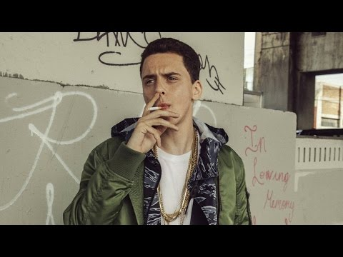 "LOGIC FREESTYLES OVER J COLE'S ""WET DREAMS"""