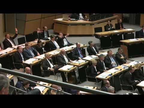 Das Abgeordnetenhaus ist konstituiert / Nahaufnahme
