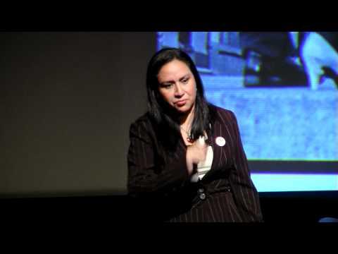 TEDxPeñas - Katherine Chiluiza - cerrando la brecha digital