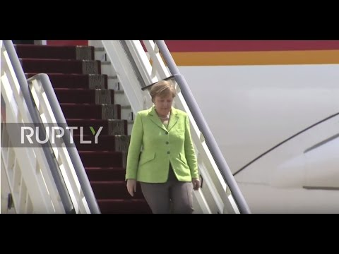 Russia: Merkel touches down in Sochi ahead of talks with Putin