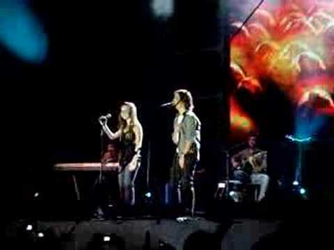 sandy e junior show guarujá 11/10/07 - YouTube