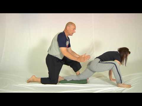 the way to stretch hip flexor muscle