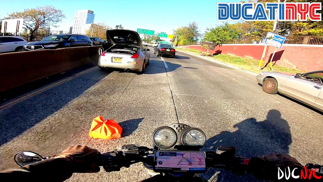 the spaceship is GONE! | splitting savagery in Brooklyn NY as the sun sets | Ducati NYC Vlog v1374