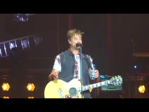 Sunrise Avenue - About Dresden, Buritos, friends and flags in 2 minutes @ Dresden 02.03.2018