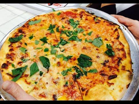 THE FAMOUS DI FARA PIZZA - BROOKLYN NY - AVENUE J - THE AMAZING DOMENICO DEMARCO