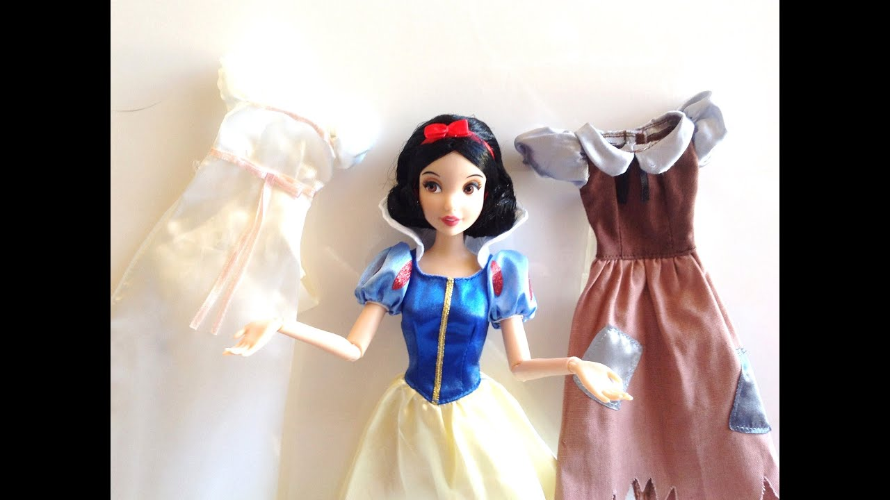 Disney Store Snow White and the Seven Dwarfs Snow White Wardrobe and  Friends Set review
