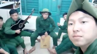 Chúng tôi là chiến sĩ cover với guitar