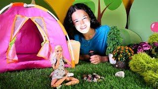 Gambar cover Barbie oyunları. Barbie ile Kardelen gece kampa gidiyorlar!