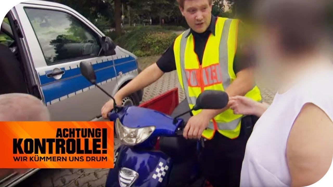 Roller zu schnell & keinen Führerschein! Polizei stoppt ältere Dame | Achtung Kontrolle | kabel