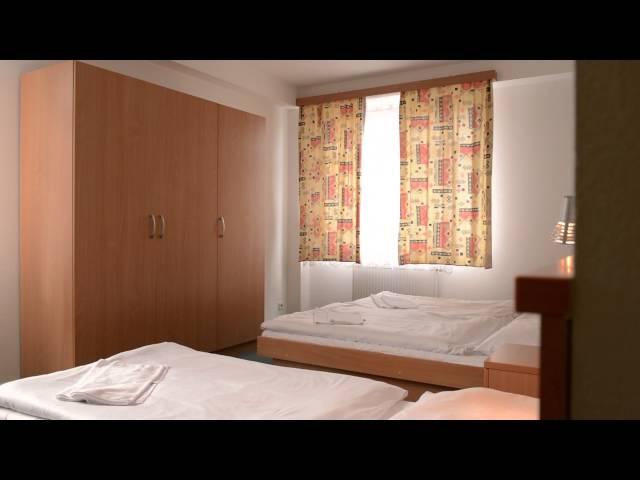 Mehr Infos zum Hotel Extol Inn, welches wir für Klassenfahrten nach Prag anbieten, findet Ihr auch hier: https://www.herole.de/klassenfahrten-prag  Kamera: Erik Schimschar/Schnitt: Andrej Bavtschenkov