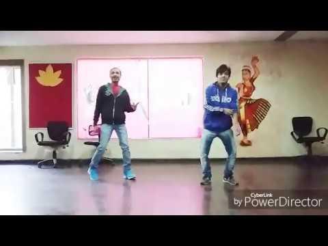 Govinda Dance mirchi lagi to me kya kru