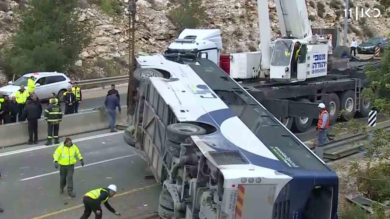 הרשלנות בולטת: שחזור תאונת האוטובוס בכביש 443