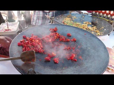 Indian Street Food - Street Food in Mumbai - Egg Chicken Frankie