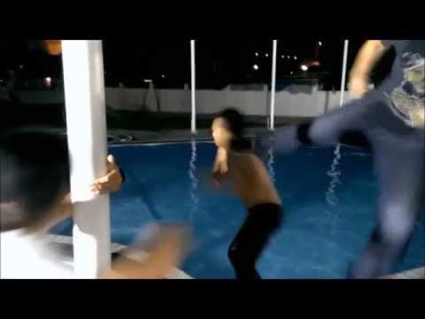 Thanh niên trêu gái bị đạp xuống nước!!!