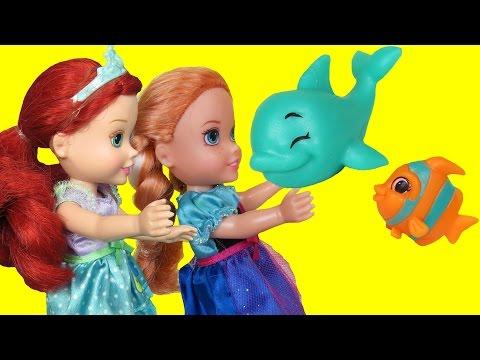 SPLASHLINGS! Waves ! Ocean Play - Elsa & Anna toddlers-Beach Adventure
