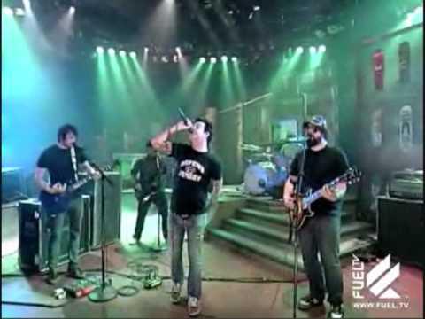 senses-fail-family-tradition-live-fuel-tv-daily-habit-callanmusicvids