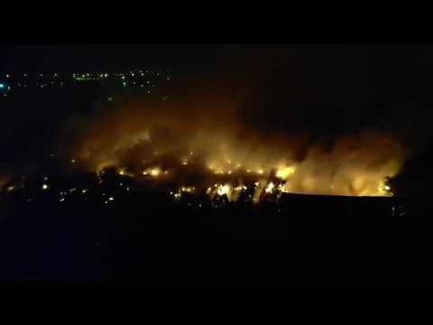В Раменском районе Подмосковья вторые сутки горит свалка