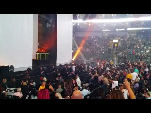 DJ Aktive Gets the Crowd Fired Up and excited Before Janet Jackson Takes The Stage at Sprint Center