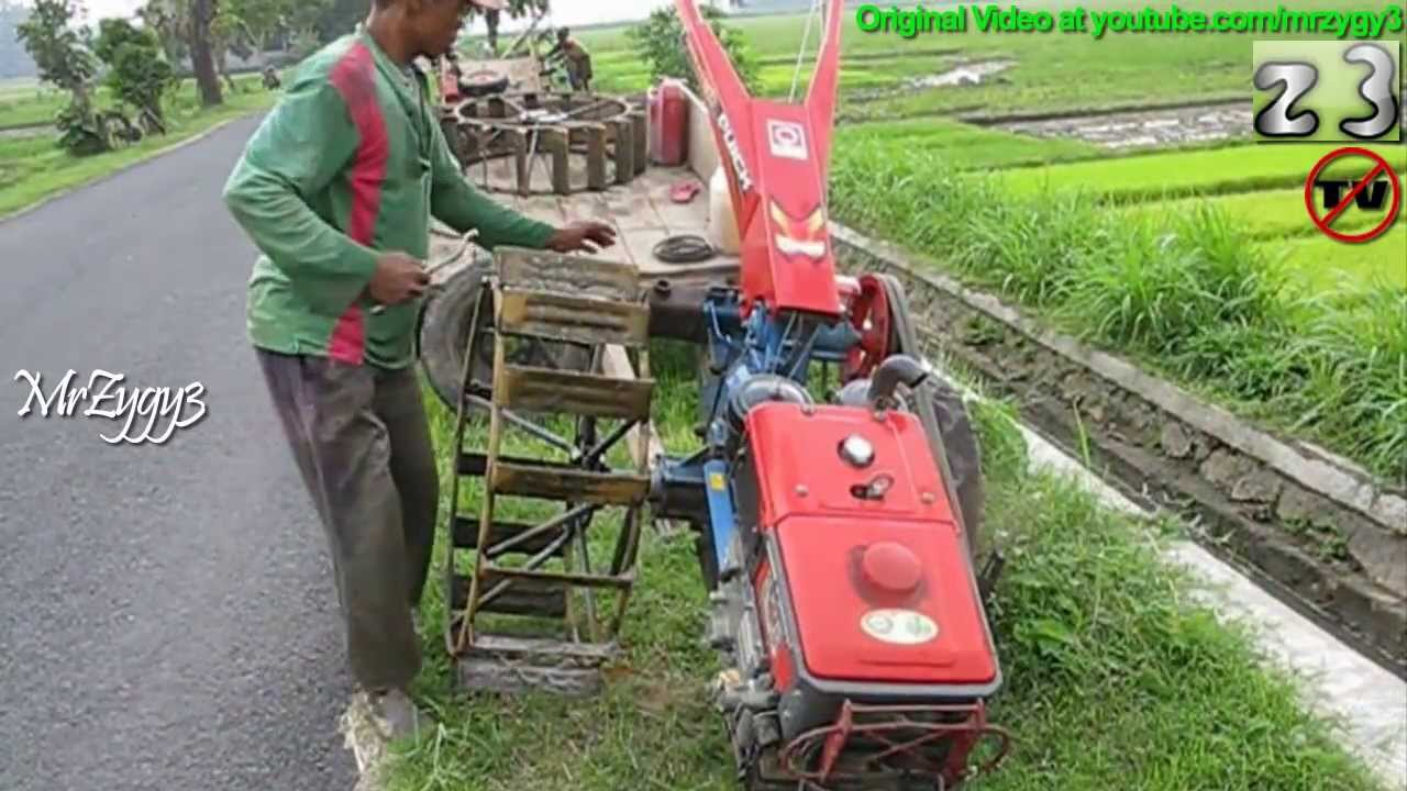Yanmar Tractor 2 Wheel : Yanmar diesel two wheel tractor after plowing field youtube
