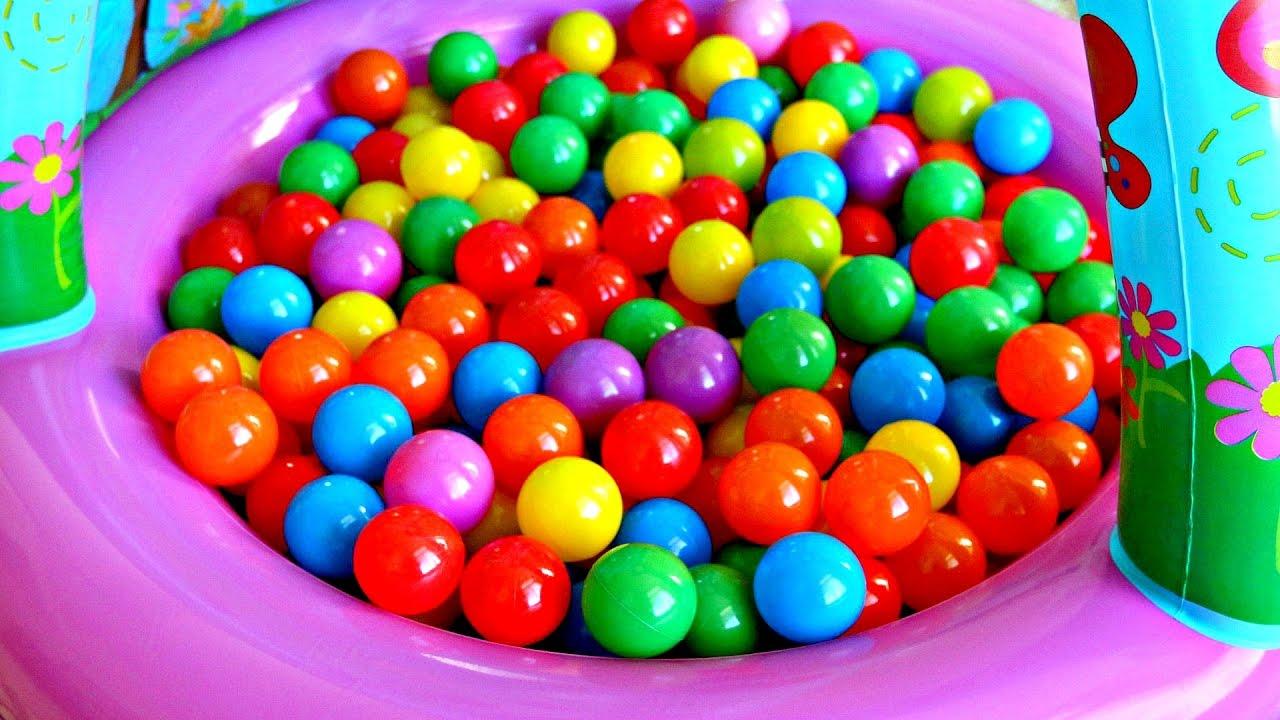 Bolas de colores con juguetes para ni os color balls pool for Albercas de plastico para ninos