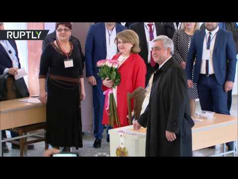 Президент Армении Серж Саргсян проголосовал на парламентских выборах