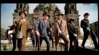 Download Seeed - Dickes B & Peter Fox - Schwarz zu Blau & Frank Zander - Hier kommt Knut MP3 song and Music Video