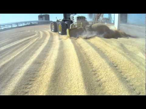 Dozing Corn at Ethanol Plant - 66/69/72 and 7900 Series Degelman Dozers