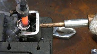 Восстановление клемм аккумулятора - пайка угольным электродом(Восстановление клемм свинцовых аккумуляторов методом пайки. Подписывайся:https://www.youtube.com/channel/UCpt4EHBhBdVVWNrmfLK_gJA..., 2016-07-27T15:07:04.000Z)