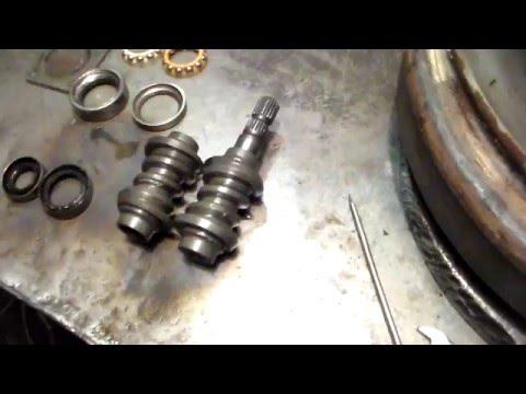 Замена червяка вала руля и его дефектовка.Replacing The Worm Wheel Shaft And Troubleshooting.